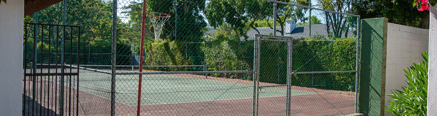 tennis court, helderberg, self catering